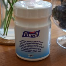 Purell Anti Microbial Wipes Plus (270 wipes)